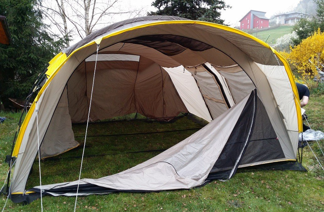 Reviewing a Tent: Quechua T6.2 XL Air