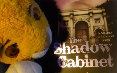 """""""The Shadow Cabinet"""" by Maureen Johnson (Shades of London #3)"""