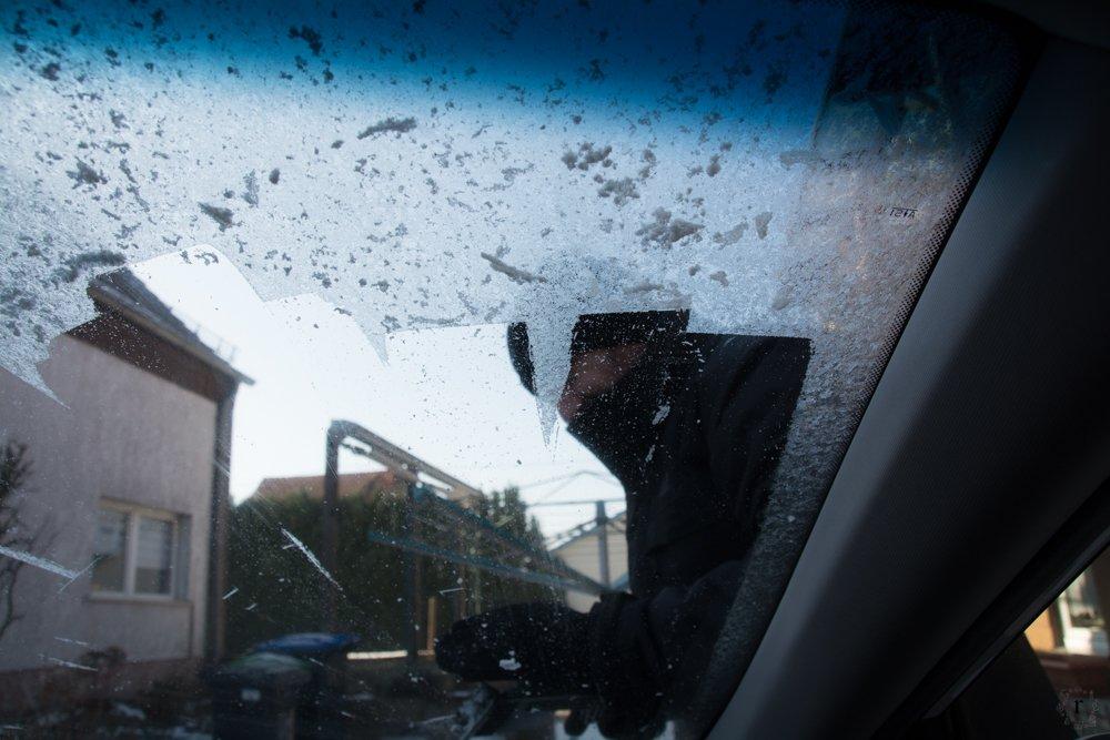 aber erstmal ... Eis kratzen | Eine Sonntagsrunde auf Glatteis um den Heinitzer Weiher | Photo Diary