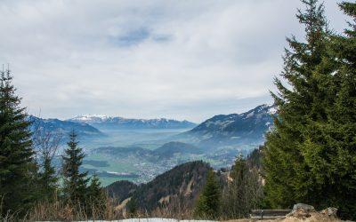 Zwischen Bergen, Blüten und Kaiserschmarrn | Spazieren gehen auf dem Muttersberg bei Bludenz