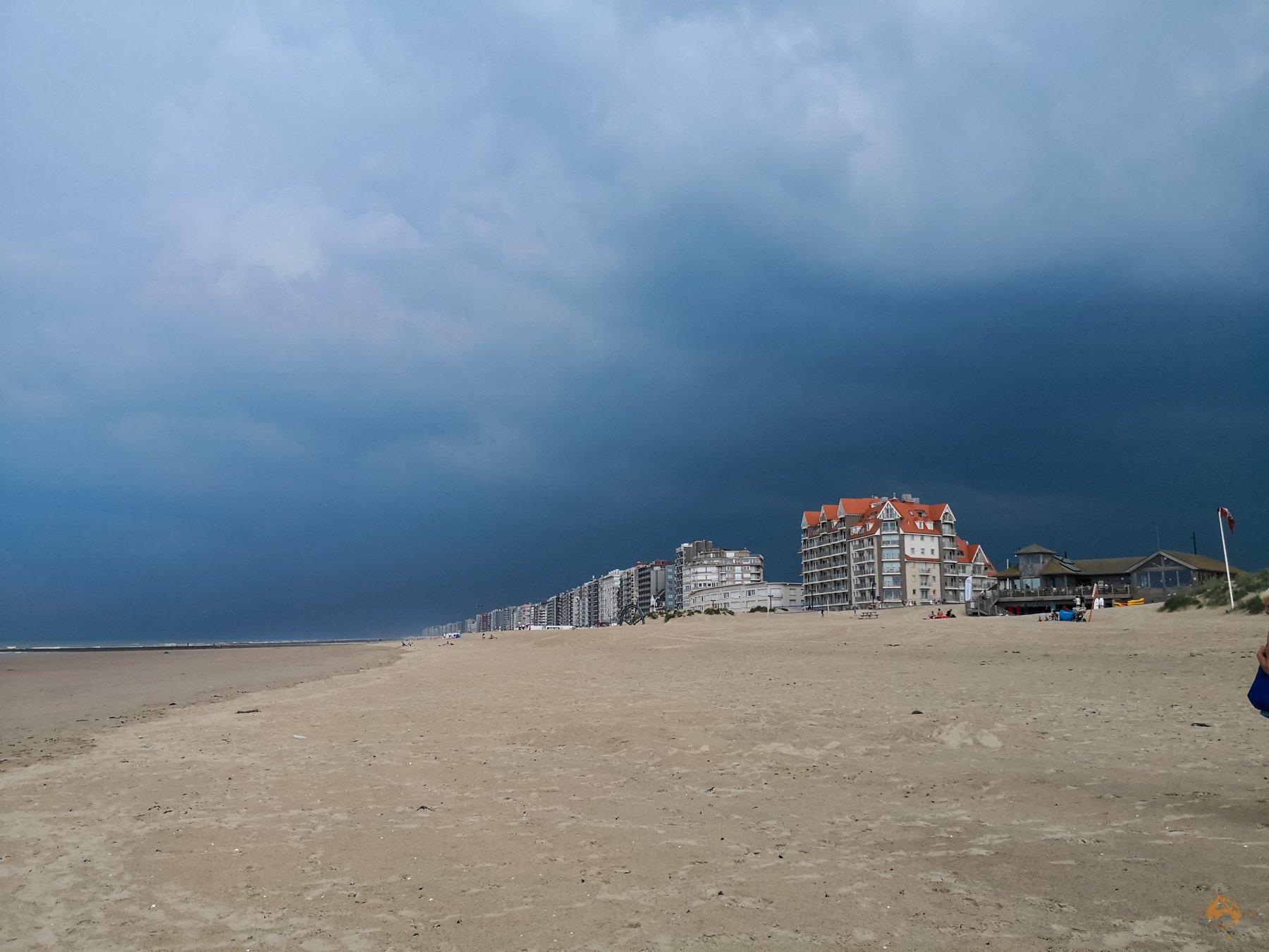 Schnappschüsse von der belgischen Küste - Westende - Gewitter
