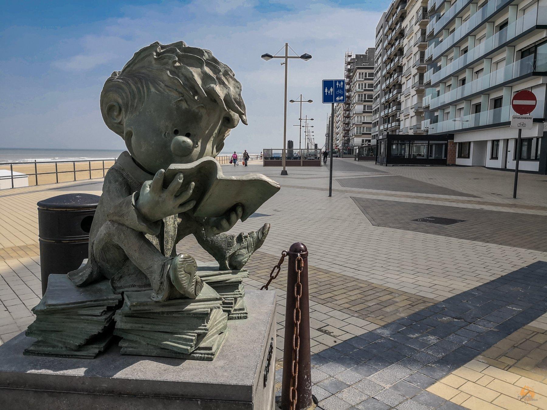 Schnappschüsse von der belgischen Küste - Comic Figuren Middelkerke - Cedric